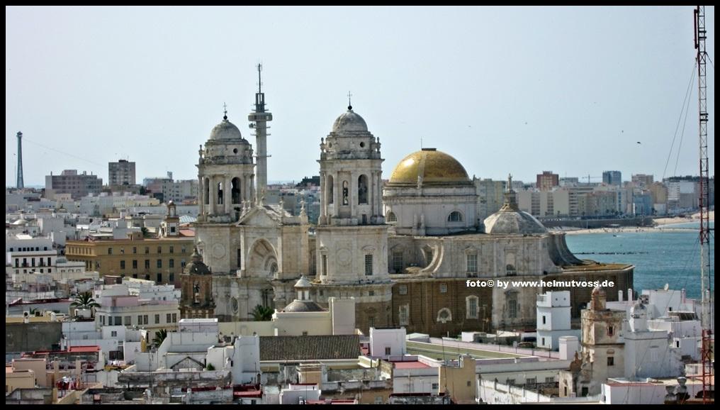 c diz cathedral de santa cruz espa a andalusien spanien. Black Bedroom Furniture Sets. Home Design Ideas