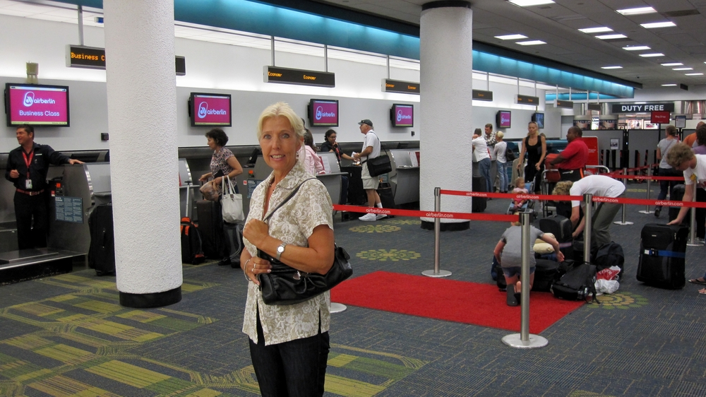 how to go from miami airport to aventura mall